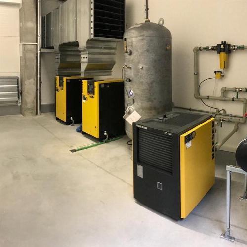 Instalace šroubových kompresorů KAESER SK25 s příslušenstvím